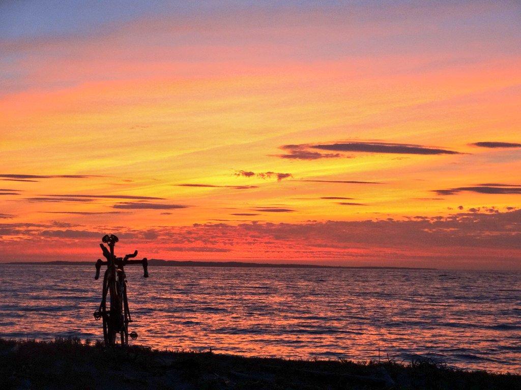馬毛島へ沈む夕日【種子島移住②】理想と現実(移住8年目。二段階移住のススメ)